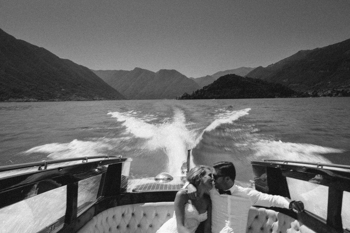 Lake Como wedding photographer. Destination wedding Bellagio