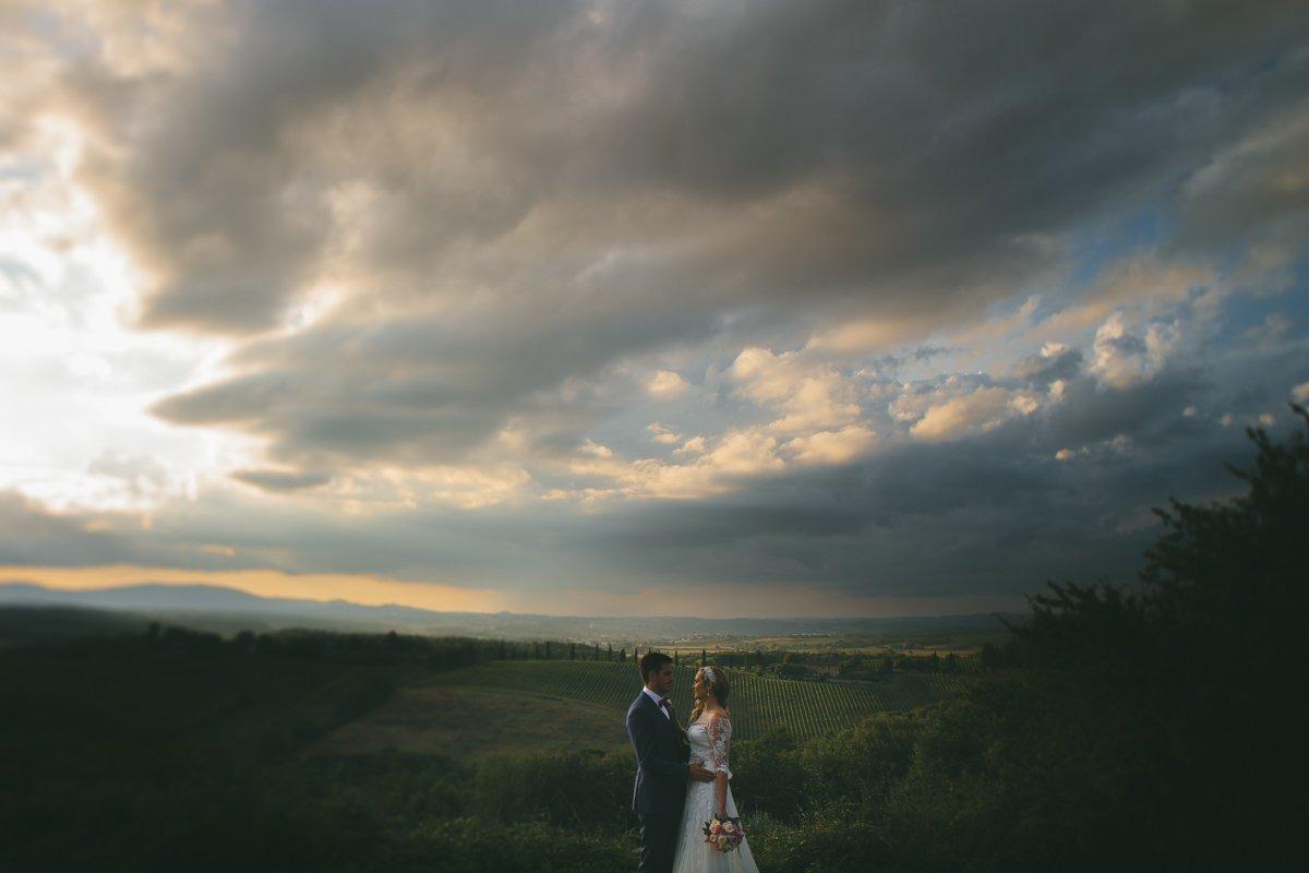 Destination Wedding photographer Villa Montecastelli,Monteriggioni nearSiena.