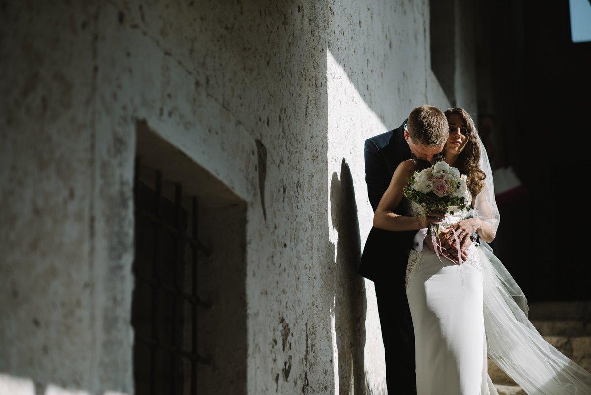 Destination Wedding photographer in Rome. Bride & Groom Photo - Countryside Wedding in Italy