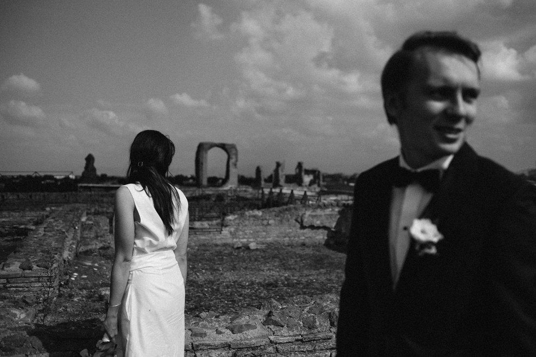 Destination Wedding photographer in Rome. Bride & Groom Photo