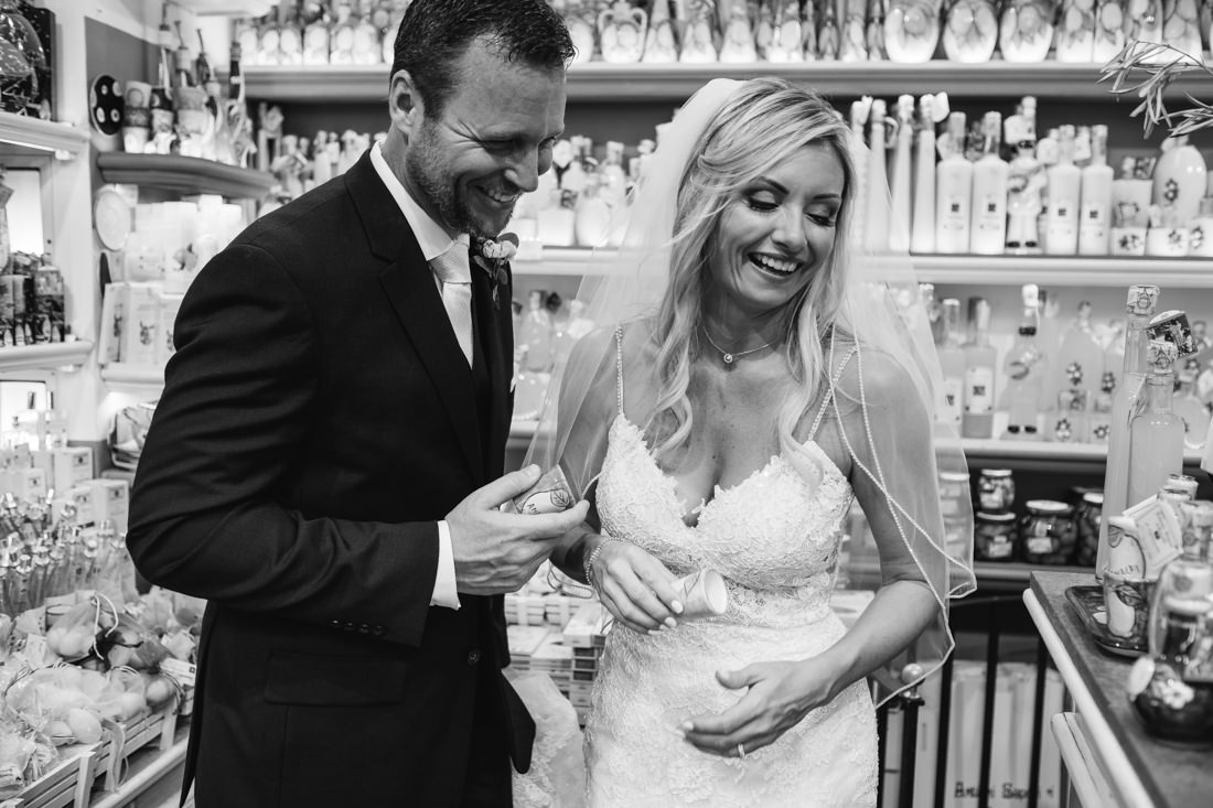 Destination wedding photographer in Amalfi Coast. Bride & Groom Photo - Wedding in Italy